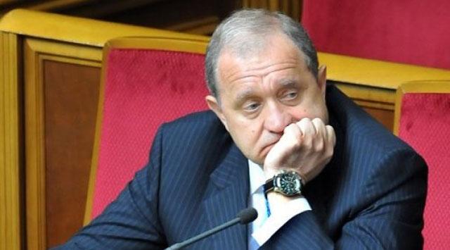 Kırım başbakanı görevden alındı