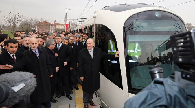 İstanbul'da yerli tramvay hizmete girdi