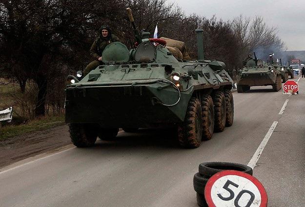 Ukrayna İçişleri Bakanı: Rus tankları sınırdan girdi