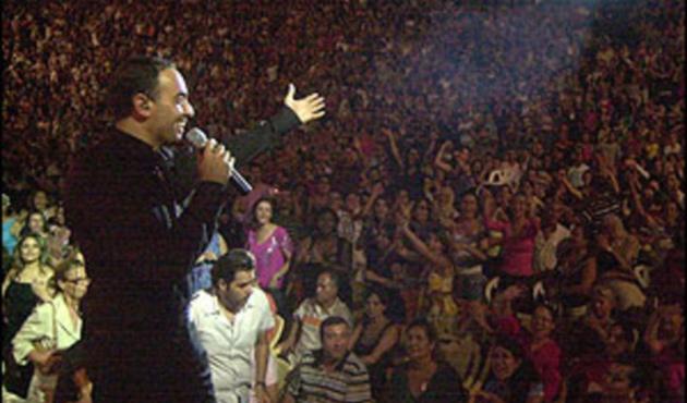 Tunus'ta devrim şarkıları tartışması