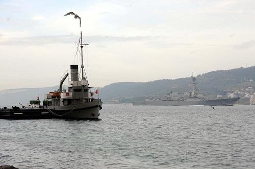 Rus savaş gemileri Çanakkale boğazından geçti