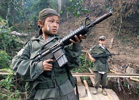 BMGK'dan çocuk asker uyarısı