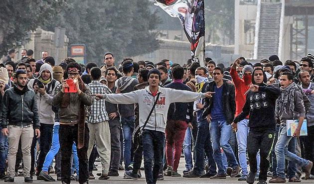 Mısır'da 'İkinci Devrim Dalgası' eylemleri: Bir ölü