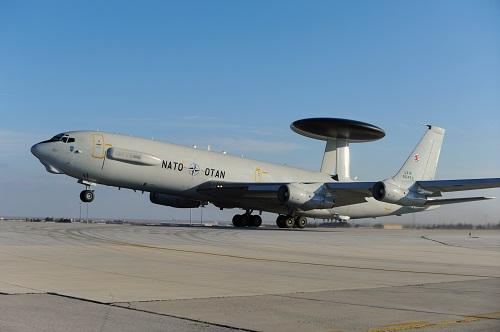 NATO'dan Ukrayna sınırına AWACS