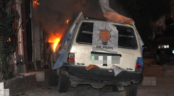 Diyarbakır'da Ak Parti teşkilatına saldırı