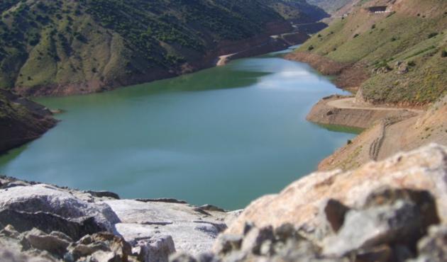 Gümüşhane'de baraj buz tuttu