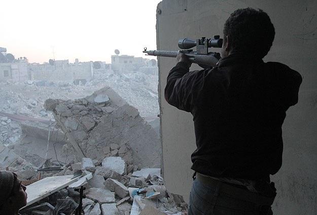 ÖSO, Halep'te rejim güçlerini sıkıştırdı