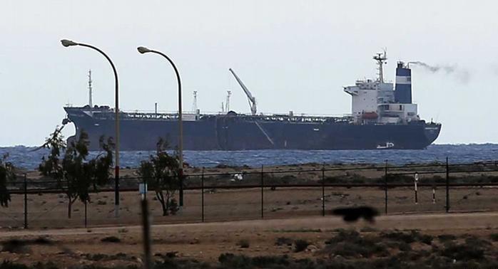 Kaçırılan gemi Libya donanmasına teslim edildi