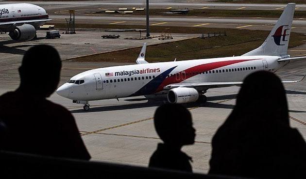 Kayıp uçak hala bulunamadı
