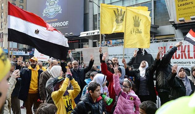 Times Meydanı'nda 'Rabia' sesleri