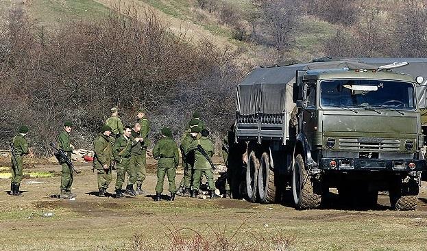 Ruslar 80 Ukrayna askerini rehin aldı