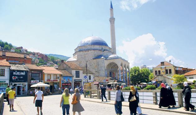 Kosova'da ezan sesini kısan laiklik