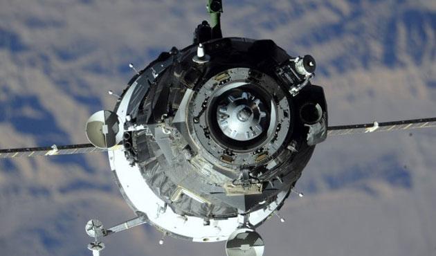 Soyuz Uluslararası Uzay İstasyonu'na kenetlendi
