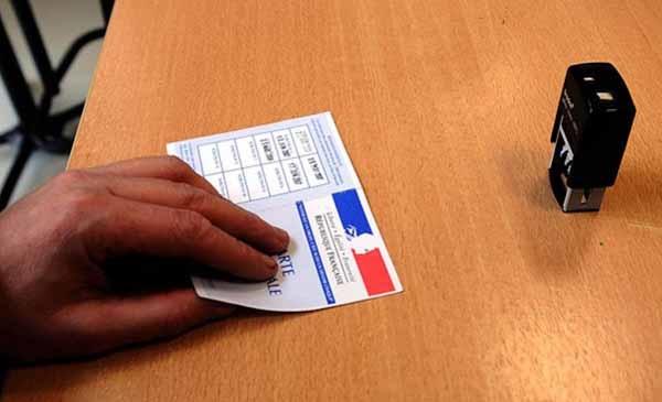 Fransa'da seçimlere katılım çok düşük kaldı