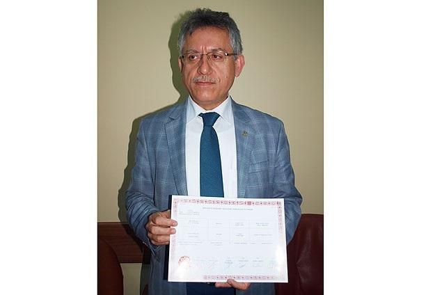 Yozgat Belediye Başkanı mazbatasını aldı