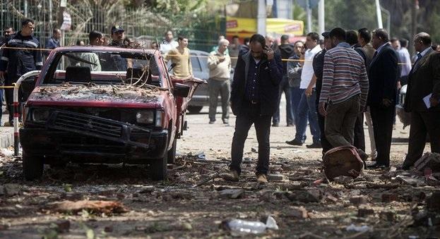 Kahire'de bombalı saldırı: 2 ölü