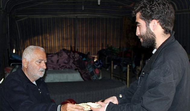 Keseb'de yaralı Ermeni'yi muhalifler kurtardı