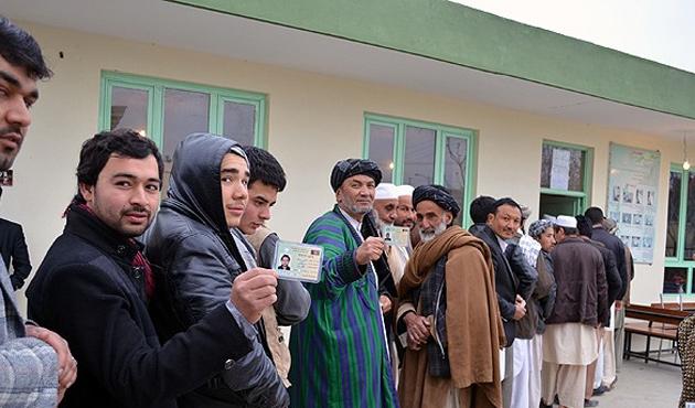 Afganistan seçim sonuçları üç aşamada açıklanacak