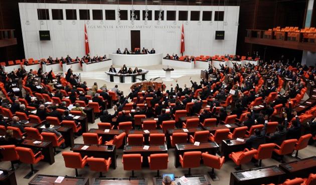 Meclis, eski bakanların durumunu görüşüyor