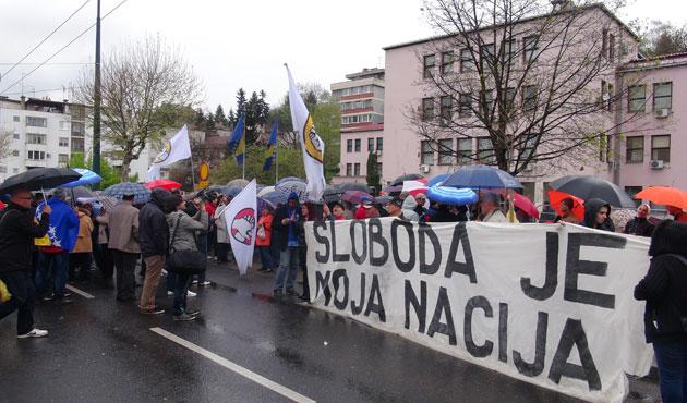 Bosna'da yönetim karşıtı gösteriye düşük katılım