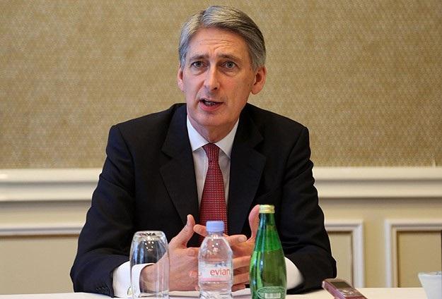 İngiltere Suriye'nin varil saldırılarını kınadı