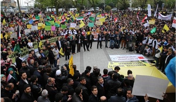 İstanbul'da binler Mısırlı kardeşleri için yürüdü