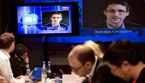 Snowden'dan Putin'e sürpriz soru
