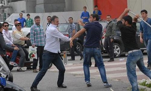 Kitap fuarında 1 Mayıs kavgası