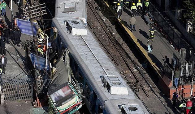 DKC'deki tren kazasında 50 kişi öldü