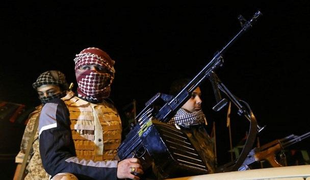 Libyalı isyancılardan limanları teslim etmeme tehdidi