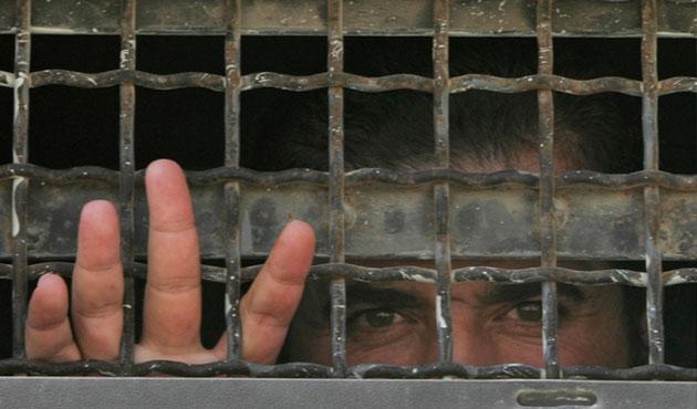 İsrail zindanlarında 5 bin 100 Filistinli var