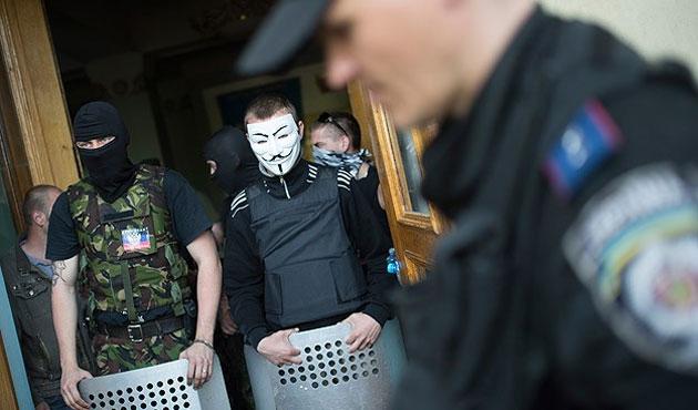 Ukrayna'dan bağımsızlık kararı alan bölgeler birleşiyor