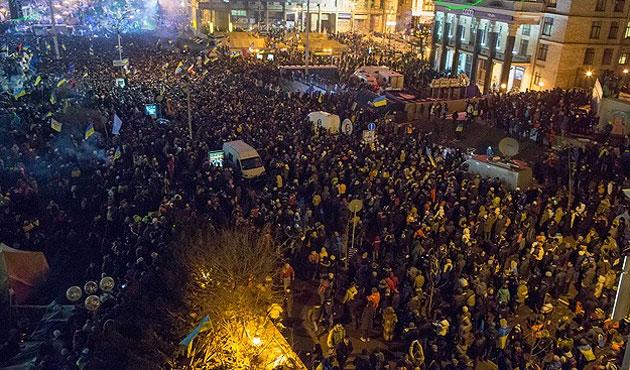 Kiev'de Bağımsızlık Meydanı'nda çatışma