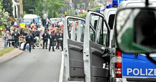 Alman polisinden 1 Mayıs müdahalesi: 50 yaralı