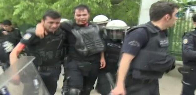 Valilik: 142 kişi gözaltında, 90 yaralı var