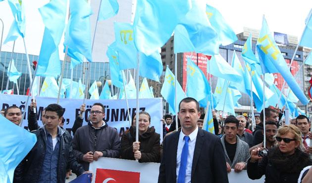 Kırım Tatarları'ndan 'sürgün' mitingi