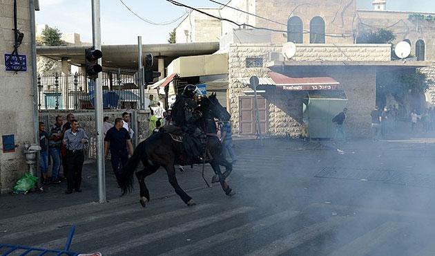 İsrail'in gösteriye müdahalesinde çok sayıda yaralı