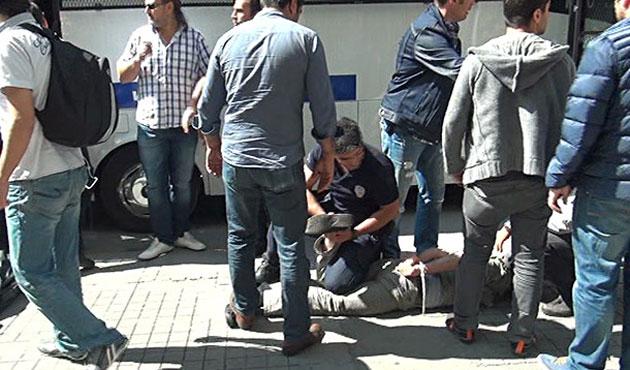 Beyoğlu'nda gösteriye müdahale