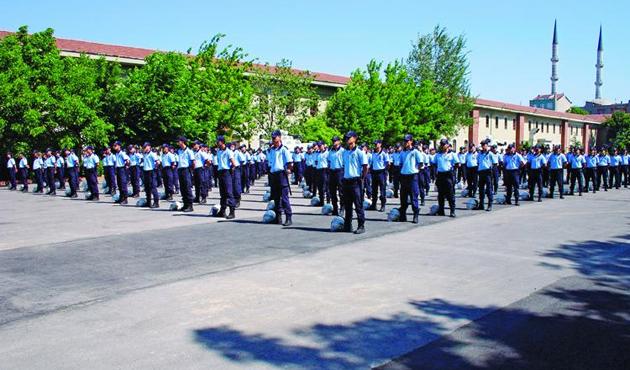 Polis Koleji Mezunları'nın ayrıcalığı kalktı
