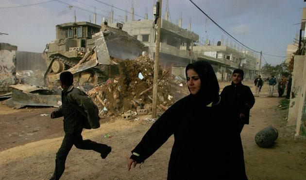 İsrail buldozerleri yine Gazze'ye girdi