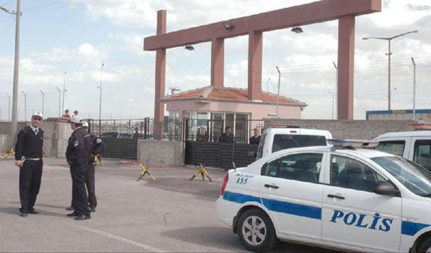 Konya'da bomba yüklü araç alarmı!