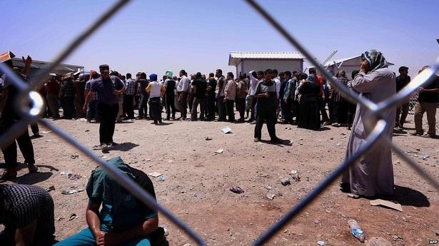 Musul'dan kaçanlar için kamplar kuruluyor/VİDEO