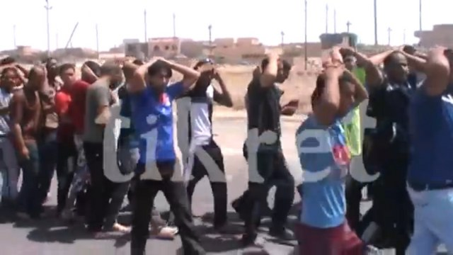 IŞİD, Tikrit'te binlerce askeri rehin aldı / VİDEO