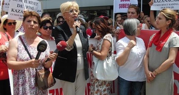 CHP'li Cumhuriyet Kadınları'ndan İhsanoğlu'na veto