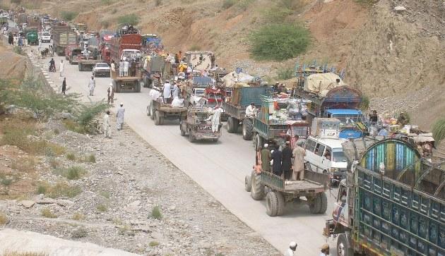 Pakistan'da 455 bin kişi evini terk etti/FOTO