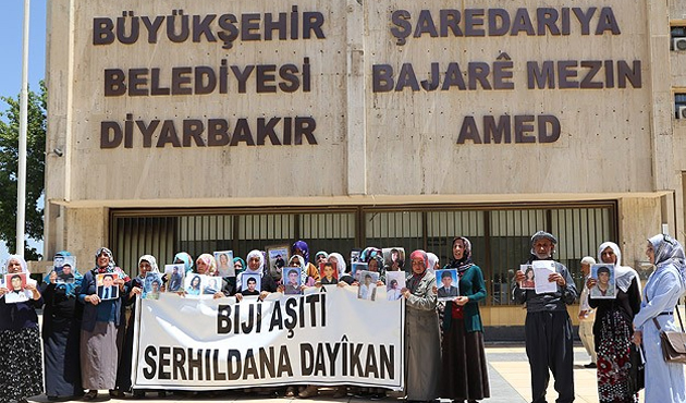 Eylemci anneler: PKK bütün gençleri bıraksın
