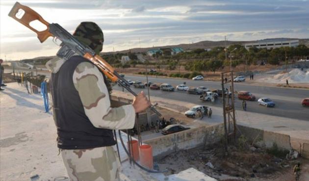 Libya'da Hafter güçleri yerleşim yerlerini bombaladı