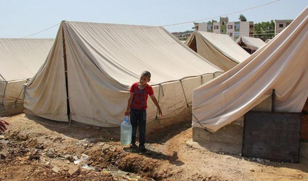 BM Suriyeli sığınmacılara gıda yardımını durdurdu