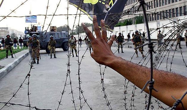 HRW: Mısır'da ordu sistemli ve orantısız güç kullandı