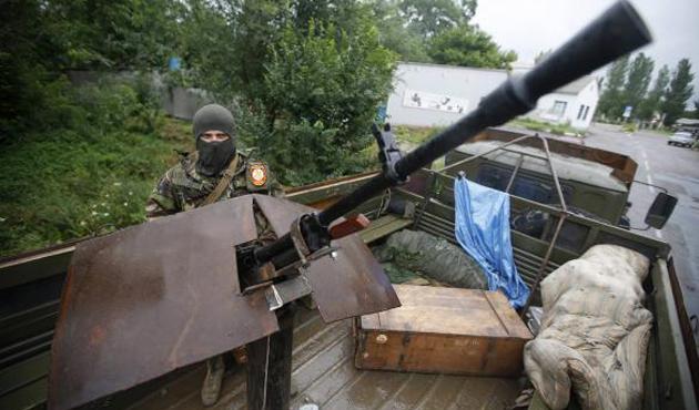 Ukrayna'da ateşkese rağmen top mermili saldırı